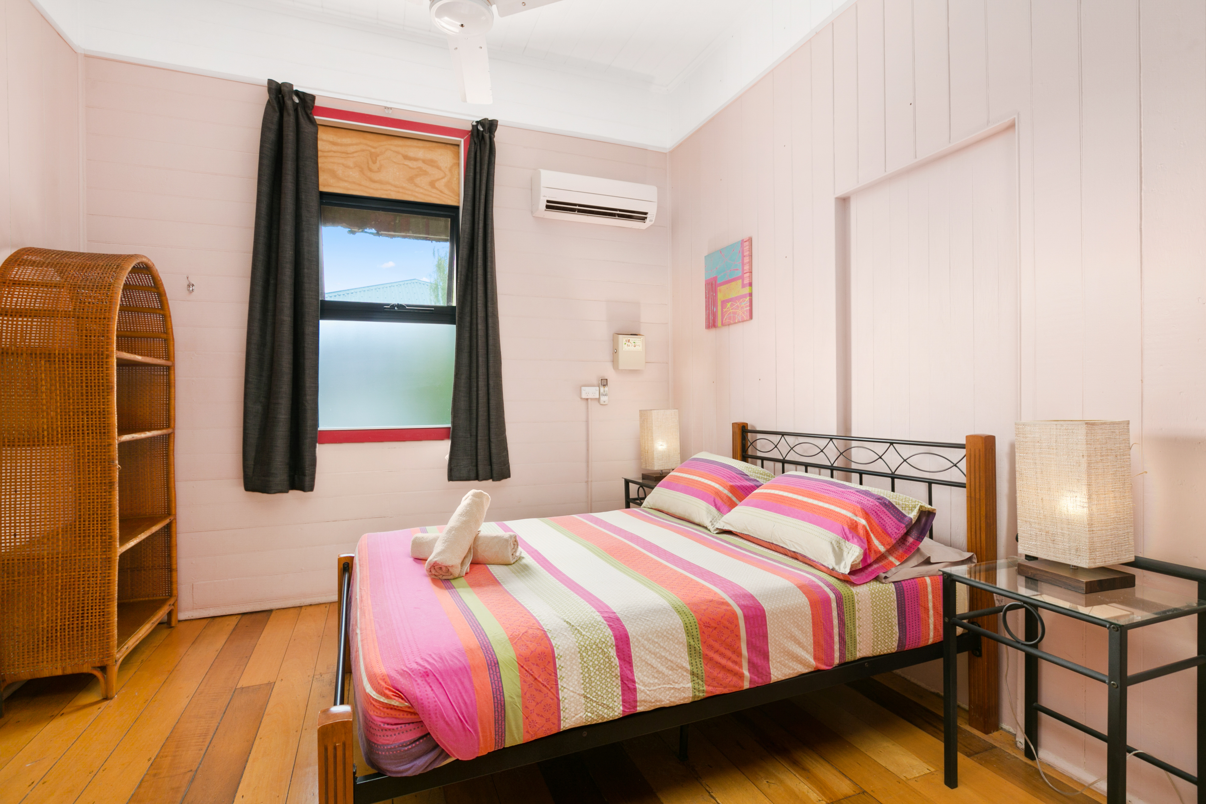 Dreamtime-Hostel-Cairns-australia-best-Deluxe-Double-great-price