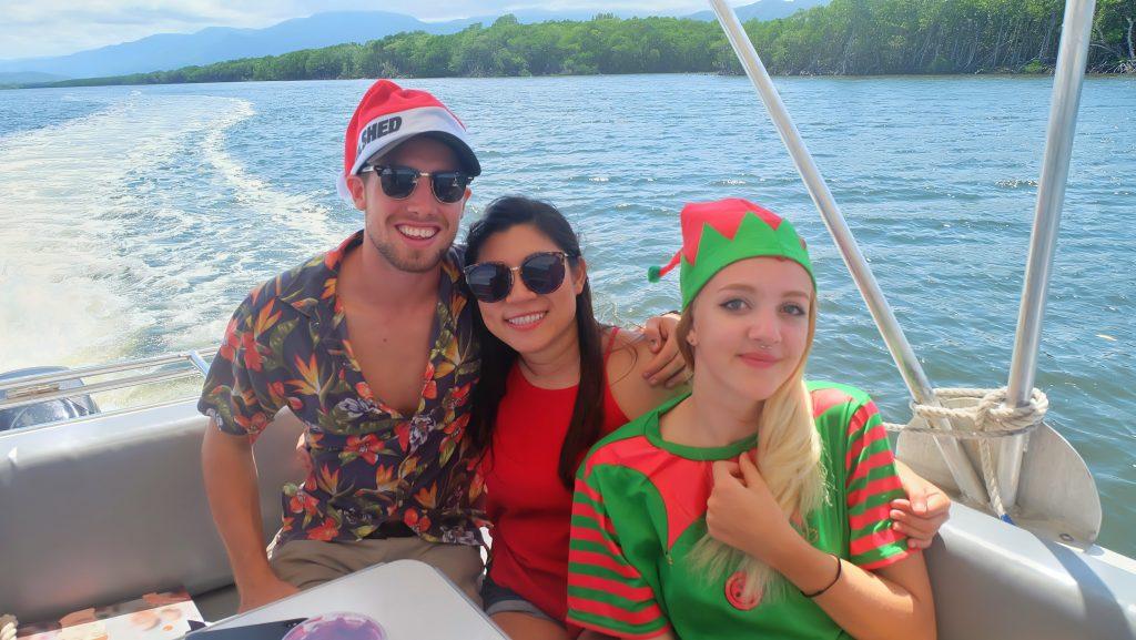 dreamtime-hostel-cairns-xmas-party-paradise-tropical-staff